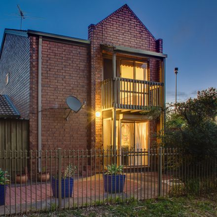 Rent this 3 bed house on 14/2 Brookside Road