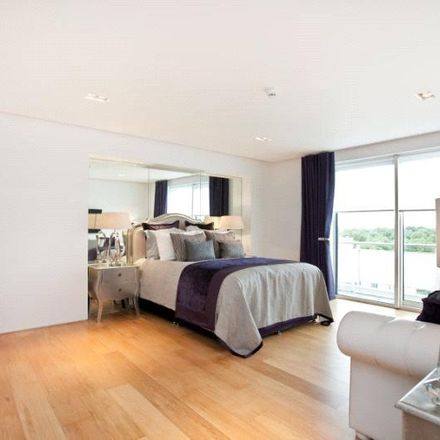 Rent this 4 bed apartment on Over-Seas House in Park Place, London SW1A 1NN