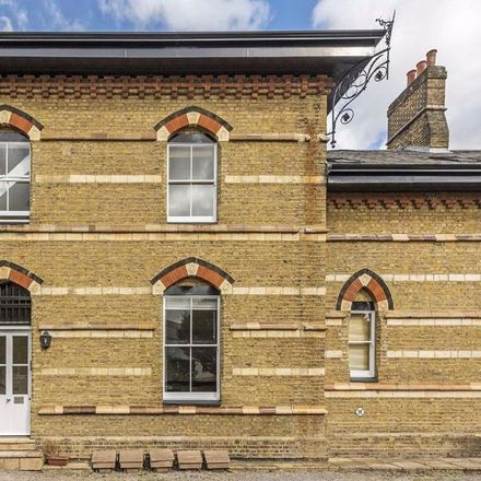 Rent this 2 bed apartment on Clapham High Street in Old Station Way, London SW4 6DH