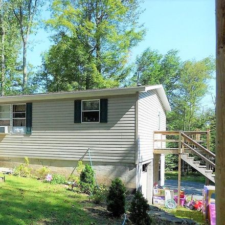 Rent this 3 bed house on Hill St in Greentown, PA