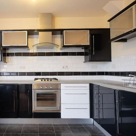 Rent this 3 bed apartment on 375 Glossop Road in Sheffield S10 2TB, United Kingdom