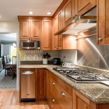 Rent this 3 bed apartment on Haas-Lilienthal House in 2007 Franklin Street, San Francisco