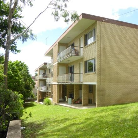 Rent this 2 bed apartment on 1/102 Herston Rd