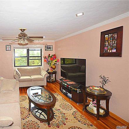 Rent this 3 bed condo on 1 Park Dr E in Flushing, NY