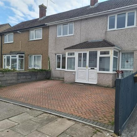 Rent this 3 bed house on Hawthorne Avenue in Penarth CF64 3NE, United Kingdom