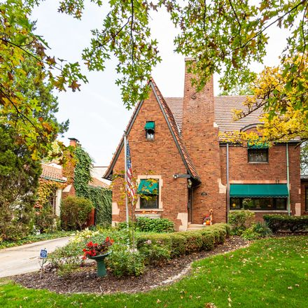 Rent this 4 bed house on 9031 South Leavitt Street in Chicago, IL 60643