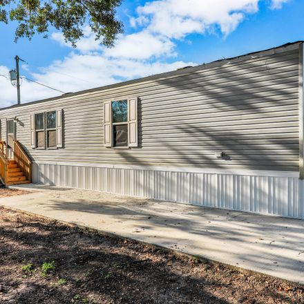 Rent this 3 bed house on Ave C S in Auburndale, FL