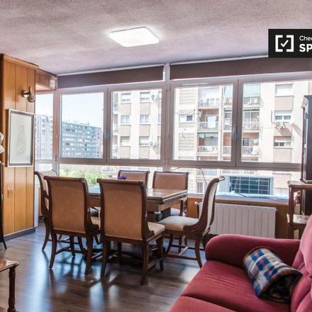 Rent this 3 bed apartment on Carrer d'Aparici y Guijarro in 46920 Mislata, Spain