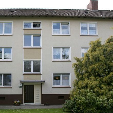 Rent this 3 bed apartment on Möllhoven 149 in 45357 Essen, Germany