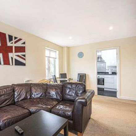 Rent this 2 bed apartment on Hornchurch Square in Rushmoor GU14 6FQ, United Kingdom