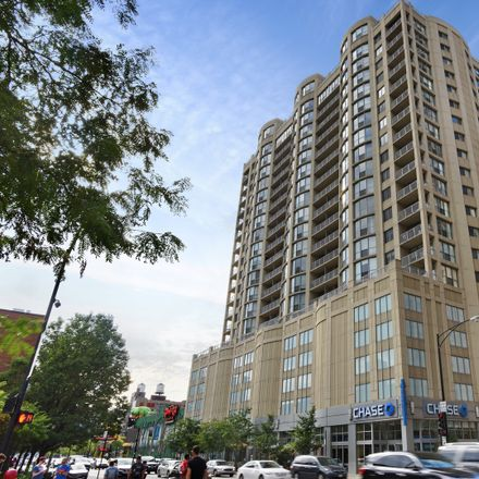 Rent this 2 bed townhouse on Chase in 600 North Dearborn Street, Chicago