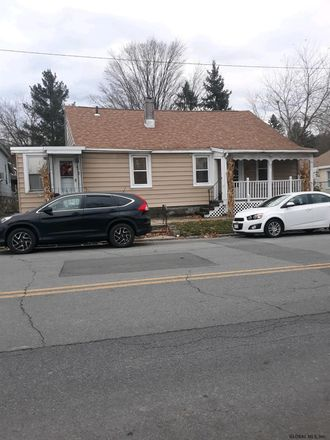 Rent this 2 bed house on 812 5th Avenue in City of Troy, NY 12182