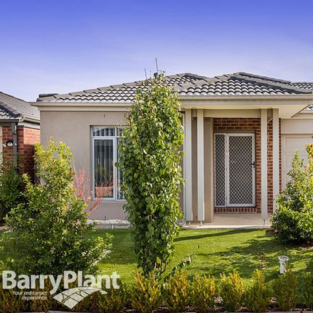Rent this 4 bed house on 12 Silverbay Avenue