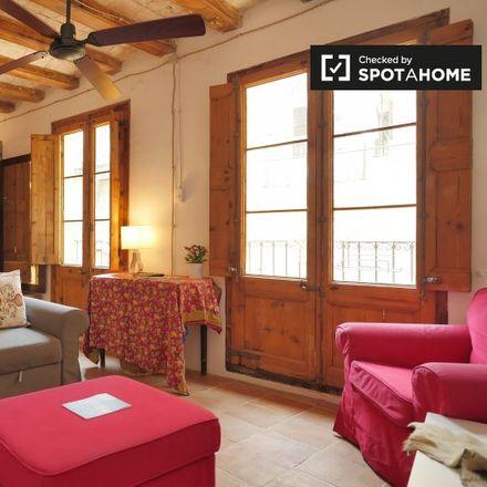 Rent this 3 bed apartment on Placeta de Sant Francesc in Barcelona, Spain