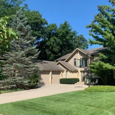 Rent this 5 bed house on 68 East Saint Andrews Lane in Highwood, IL 60015