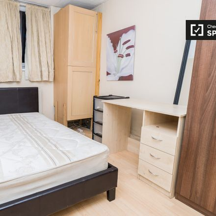 Rent this 6 bed apartment on Bellamy Close in London W14 9NG, United Kingdom