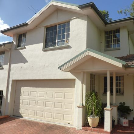 Rent this 3 bed townhouse on 7/12-14 Cook Street