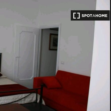 Rent this 3 bed room on Credito Artigiano in Via Giuseppe Bagnera, 1 / 5