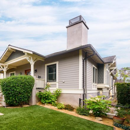 Rent this 3 bed house on 504 East Arrellaga Street in Santa Barbara, CA 93103