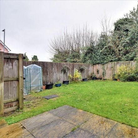 Rent this 3 bed house on Weavers Close in Uttlesford CM6 1YL, United Kingdom