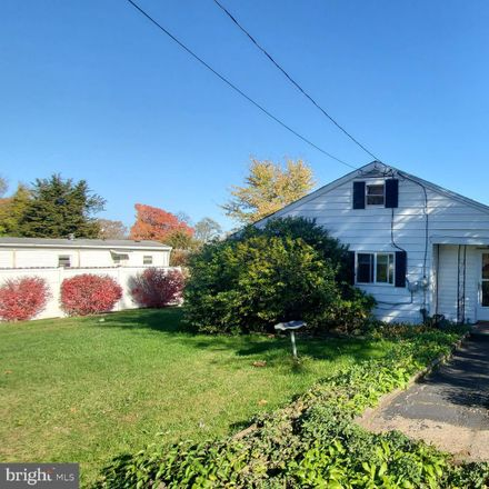 Rent this 3 bed house on 1767 Hilton Avenue in Dover Township, PA 17315