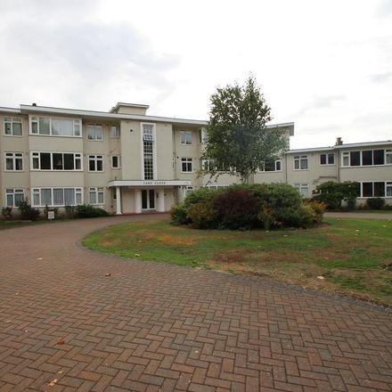 Rent this 2 bed apartment on Woodside Dental Practice in 49 Woodside, London SW19 7AF