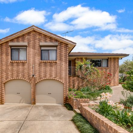 Rent this 3 bed house on 3 Dargie Place