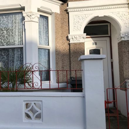 Rent this 1 bed house on London in Thornton Heath, ENGLAND