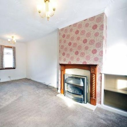 Rent this 2 bed house on North End in Cambusbarron FK7 9LH, United Kingdom