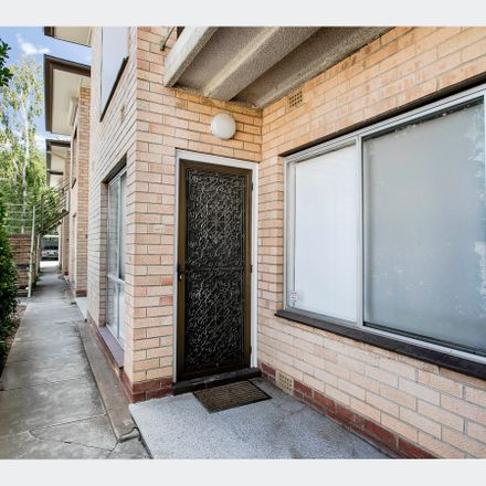 Rent this 2 bed apartment on 4/162 Gover Street