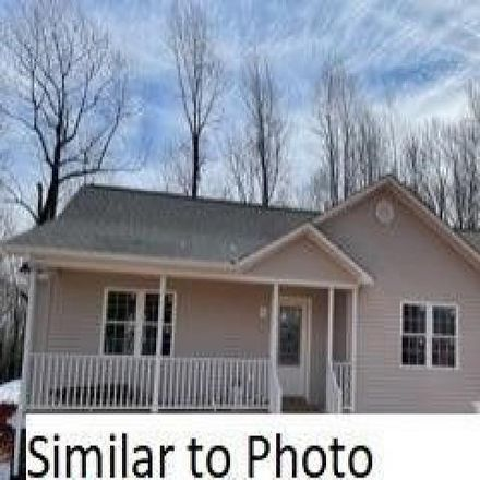 Rent this 3 bed house on 540 Oakleigh Avenue in Appomattox, VA 24522