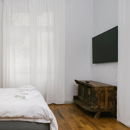 Rent this 0 bed apartment on Paulinengasse 5 in 1180 Wien, Austria