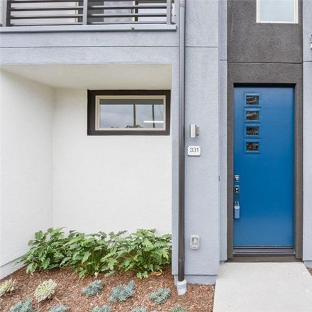Rent this 2 bed condo on Irvine