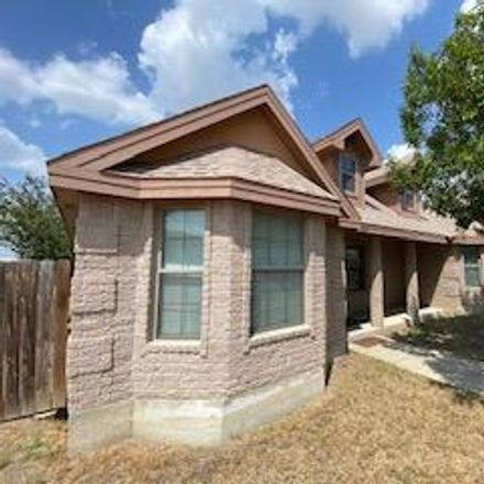 Rent this 3 bed apartment on Cll Loma in Eagle Pass, TX