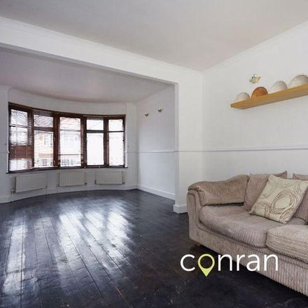Rent this 3 bed house on Harris Academy Falconwood in The Green, London DA16 2PE