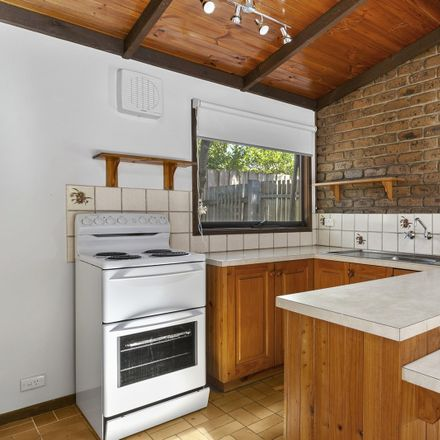 Rent this 2 bed apartment on 3/32 Dare Street