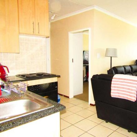 Rent this 2 bed townhouse on Perm Street in Sonneglans, Randburg