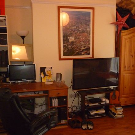 Rent this 1 bed room on Barton Hill in Leeds LS11 8SU, United Kingdom