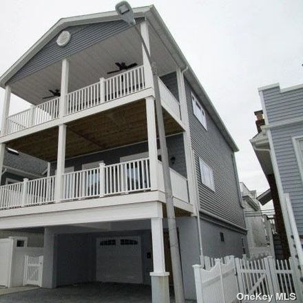 Rent this 3 bed house on 31 Florida Street in Long Beach, NY 11561