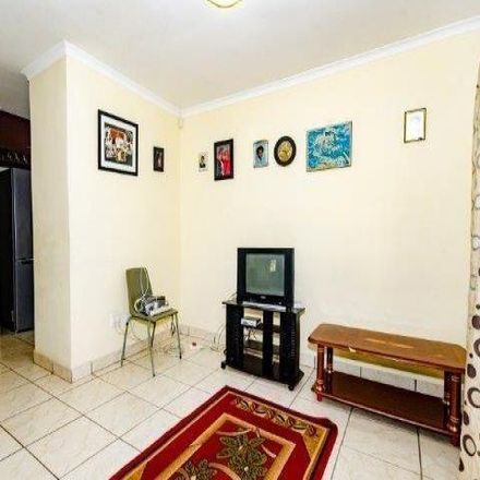 Rent this 3 bed townhouse on Mariannridge Drive in eThekwini Ward 16, KwaZulu-Natal
