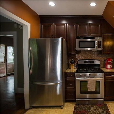 Rent this 3 bed house on School St in Hamden, CT