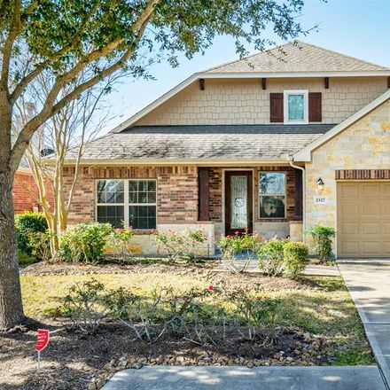 Rent this 4 bed house on Crescent Water in Rosenberg, TX