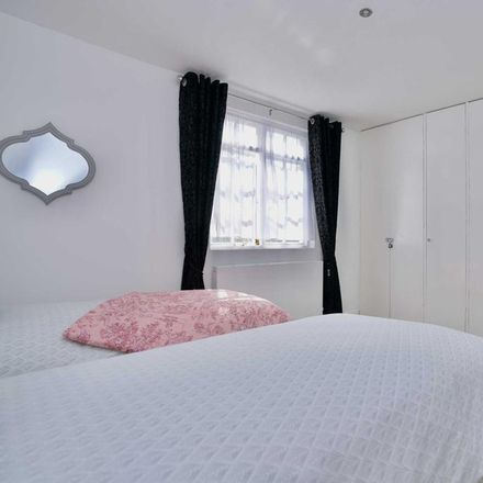 Rent this 2 bed house on The Neptune in 10 Victoria Cottages, Hove BN3 2WR