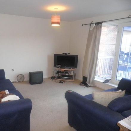 Rent this 3 bed apartment on Carisbrooke Road in Leeds LS16 5RU, United Kingdom