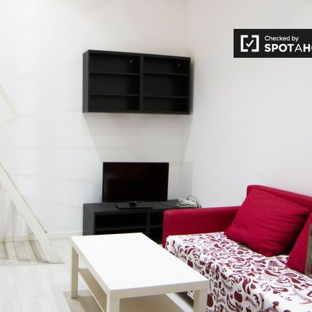 Rent this 0 bed apartment on Roll in Calle de Amaniel, 23