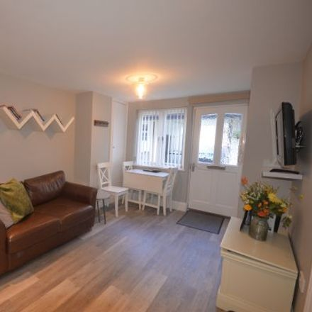 Rent this 2 bed apartment on Trinity Hill in Torquay TQ1 2AS, United Kingdom