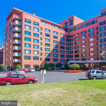 Rent this 0 bed condo on River Place South in 1011 Arlington Boulevard, Radnor Heights