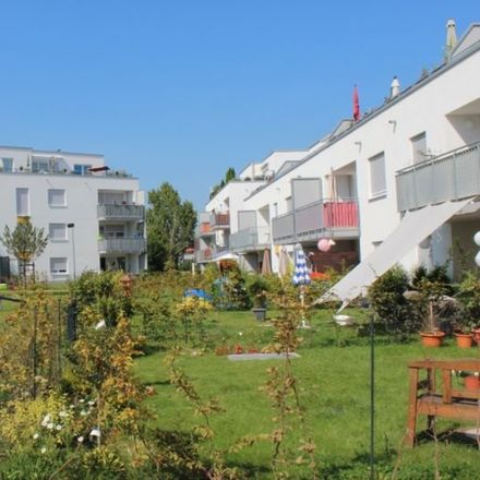 Rent this 4 bed apartment on Bonn in Am Paulshof, 53127 Bonn