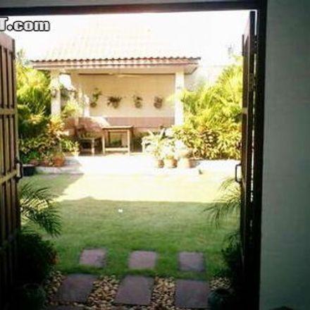 Rent this 4 bed house on Sukhumvit Pattaya 19 in Pattaya, Chon Buri Province