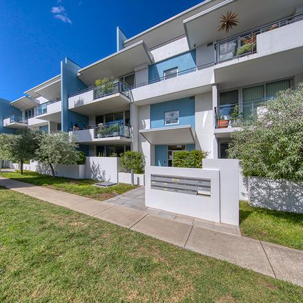 Rent this 2 bed apartment on 4/58 Wentworth Avenue